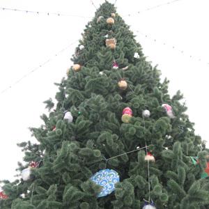 Искусственные ели на Рождество
