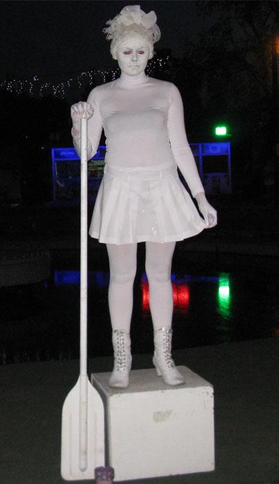 Музейная ночь. Живая статуя
